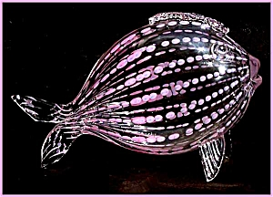 Kraft 1949: Pink dotted artglass fish (Image1)