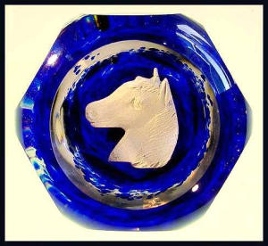 Kraft 1970:  Horse sulphide paperweight (Image1)