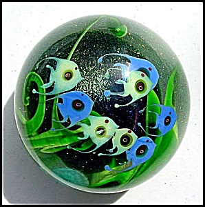 Lundberg 1976:Tropical fish paperweight (Image1)