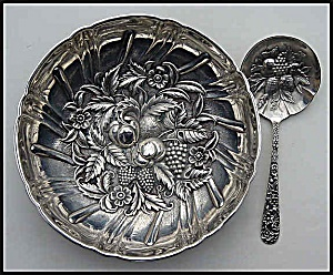 Sterling silver repousse bowl and matching spoon (Kirk) (Image1)