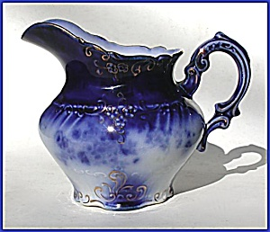 Flow Blue: LA BELLE pitcher (Image1)
