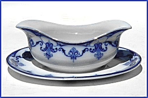 Flow Blue: LYNDHURST gravy/sauce bowl (attached underplate) (Image1)