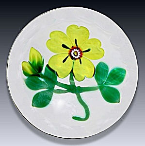 Selkirk Glass 1999: Yellow primrose paperwt (Hedgerow Ser.) (Image1)