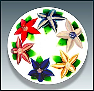 John Deacons: Clematis wreath paperweight. (Image1)