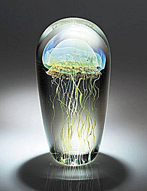 Satava Art Glass Studio: Moon jellyfish paperweight (Image1)
