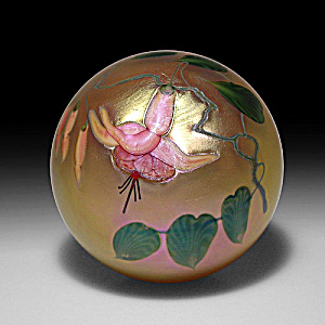Lundberg Studios 2007: Pink Fuchsia paperweight (DS) (Image1)