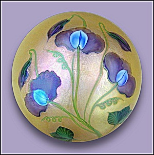 Lundberg Studios 2007: Lavender Sweet Pea paperweight (DS) (Image1)