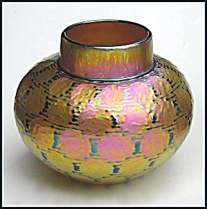 "Lundberg Studios ""Green Indian Basket"" vase (Image1)"