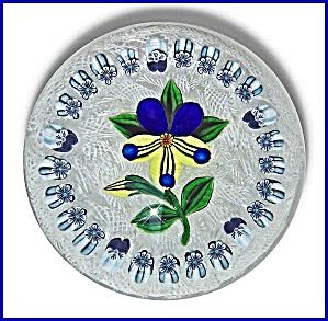 John Deacons 2006: Pansy and floral garland paperweight (Image1)