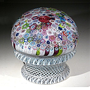 St. Louis 1976: Close pack millefiori piedouche paperweight (Image1)