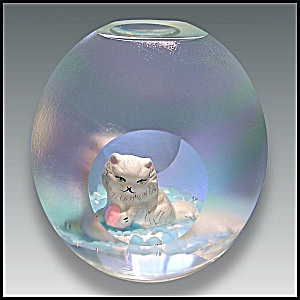 Joe St. Clair: Cat sulphide paperweight (Image1)