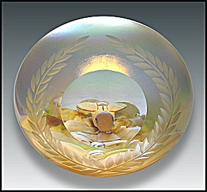 Joe St. Clair bumble bee sulphide paperweight (Image1)