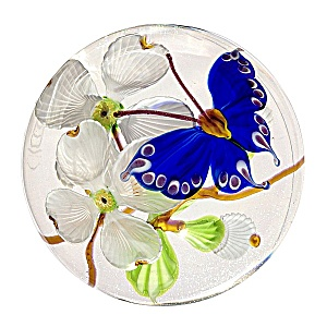 Mayauel Ward 2013: Cobalt butterfly with dogwood paperweight (Image1)
