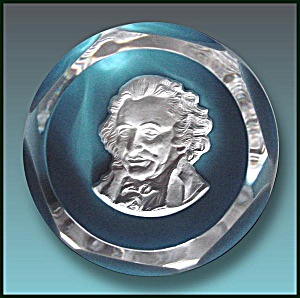 Baccarat 1976: Thomas Paine Sulphide Paperweight