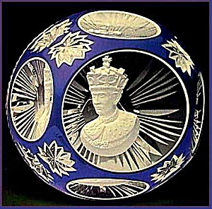 D�Albret Prince Charles sulphide paperweight (Image1)