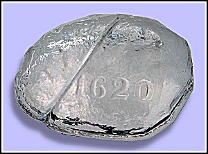 New England Glass Company: Plymouth Rock paperweight (Image1)