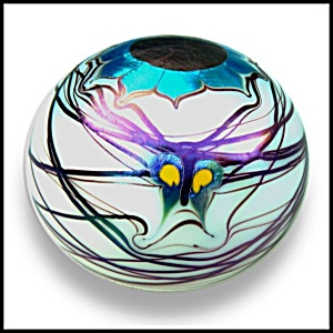 Lundberg Studios 1975: Butterfly and flower paperweight (DS) (Image1)