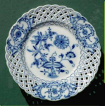 Click here to enlarge image and see more about item H023: Meissen hand-painted reticulated plate