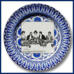 Click here to enlarge image and see more about item Hh177: Royal Doulton Gibson girl plate