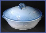 """Click to view larger image of Bing & Grondahl """"Seagull"""" design serving dish (Image1)"""