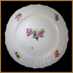 Royal Copenhagen Light Saxon Flower plate (s)