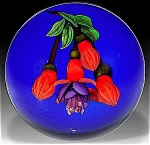 Click to view larger image of Ken Rosenfeld 2004:  Fuscia paperweight (Image1)