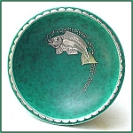 Click here to enlarge image and see more about item M072a: Gustavsberg Argenta footed bowl (fish design)