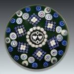 Click here to enlarge image and see more about item s015: Baccarat 1976: Gridel lovebirds paperweight