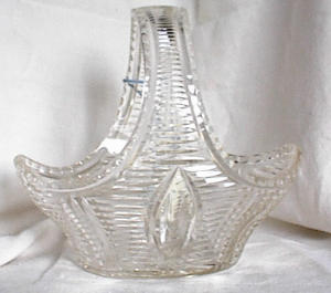 CUT GLASS BASKET (Image1)