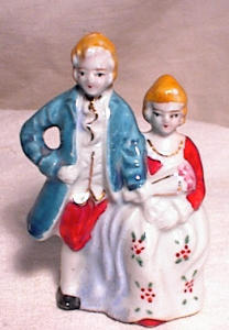"Mioj 3"" Colonial Couple With Flowers"