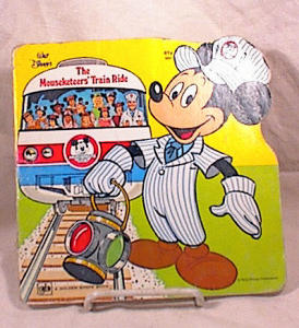 LITTLE GOLDEN SHAPE BOOK~1977~MOUSEKETEERS (Image1)