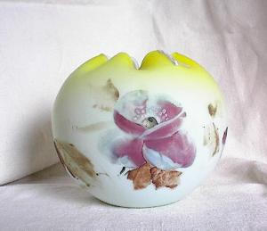 CHARTREUSE ROSE BOWL WITH FLORALS (Image1)