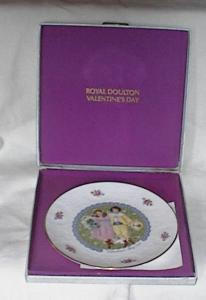 ROYAL DOULTON VALENTINES PLATE					 (Image1)