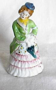 "4"" COLONIAL LADY  FIGURINE (Image1)"