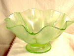 Click here to enlarge image and see more about item 3023: LARGE 10' FENTON STRETCH GLASS BOWL~YELLOW/GR
