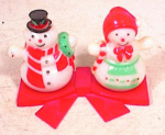 Click here to enlarge image and see more about item 383: EARLY PLASTIC SNOWMAN SALT PEPPER SET