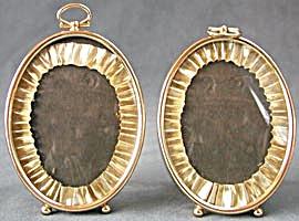 Vintage Oval Metal Frames (Image1)