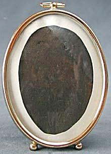Vintage Oval Brass Picture Frame (Image1)