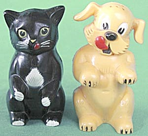 Vintage Ken-l-ration Dog & Cat Salt & Pepper Shakers