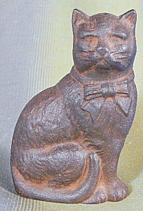 Vintage Cast Iron Sitting Cat Bank