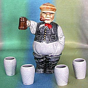 Vintage Man Decanter Set (Image1)
