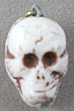 Vintage Glass Skull Charm (Image1)