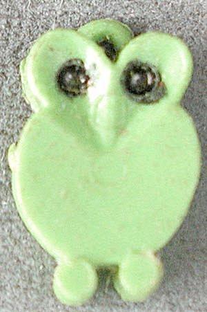 Vintage Plastic Owl Charm (Image1)