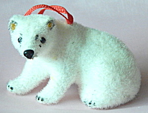 Wagner Kunstlerschutz Flocked Polar Bear Ornament
