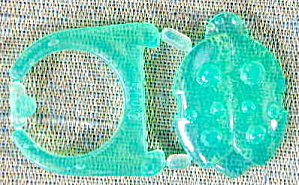 Cracker Jack Toy Prize:Green Snap Together Jewel Ring (Image1)