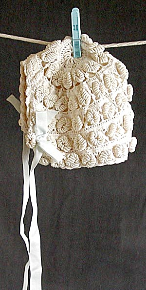Vintage Baby's Crocheted Bonnet (Image1)