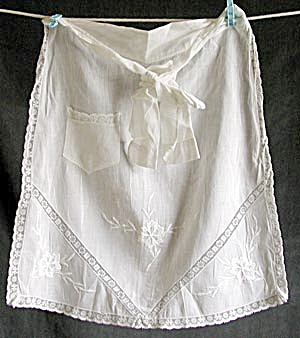 Vintage White Child's Apron (Image1)