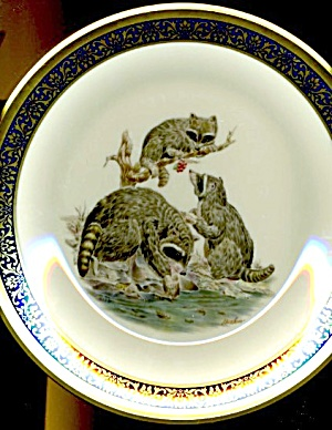 Lenox Boehm Woodland Wildlife Raccoons Plate (Image1)