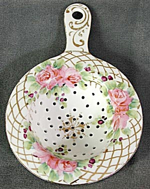 Tea Strainer: Porcelain, Hand Painted (Image1)
