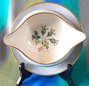 San Marino Gravy Boat W/ Attached Underplate